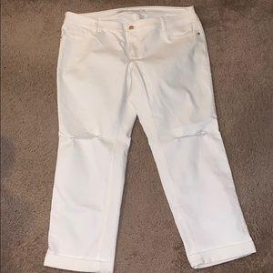 White Old Navy boyfriend jeans